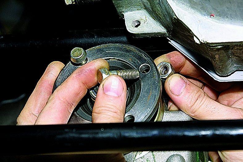 Как заменить сальник кпп на ниве 21214